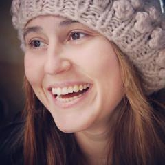 (Coral ML) Tags: portrait girl smile look funny chica retrato sonrisa felicidad mirada