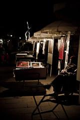 Arte callejero (iZaB5 -Isabel Talleda G..quierolluviacontigo) Tags: barcelona espaa colors spain bcn isabel catalunya catalua barcelone nit ciutat diversitat instants espanya barrigtic instantes gtic gtico ilusin foscor carrerons reametropolitana izabe5 unasrisas isabeltalleda isabeltalledaguerrero