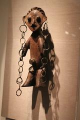 Earring obsession (quinn.anya) Tags: deyoungmuseum sudan loops earrings congo artmuseum figurine 20thcentury azande standingfigure nazeze
