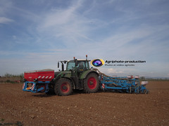 Semaine n15 (agriphotoproduction) Tags: photo production 12 avril 2014 fendt agri mas monosem rangs semoir