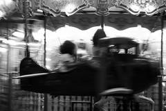 07 (Antonio Grisalvo) Tags: bw paris france love gente louvre aeroporto bn toureiffel luci francia giostra amore architettura luce reportage parigi giovani mosso