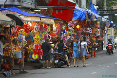 Lantern street #2, China Town Saigon Vietnam (ak_phuong (Tran Minh Phuong)) Tags: life china street city girls news beautiful walking for book living town fantastic vietnamese photographer looking angle autum emotion very sale good traditional great picture peaceful super daily viet phuong human cover chi excellent buy about normal lantern ho dailylife sales cheap minh saigon biggest tran nam milde akphuong