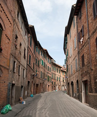 Sienna (Frans Persoon) Tags: street old city vacation italy up bui