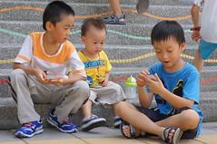 DSC08889 (小賴賴的相簿) Tags: baby kids sony 台灣 家庭 國小 小孩 親子 景美 孩子 教育 1680 兒童 文山 a55 單眼 兒童攝影 1680mm 蔡斯 景美國小 slta55v anlong77 小賴家 小賴賴