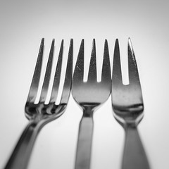 Counting tines (glukorizon) Tags: blackandwhite monochrome metal four three zwartwit fork number countdown tine vier cutlery twee metaal tand odc drie vork bestek monochroom getal odc2 ourdailychallenge