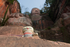 Uglyworld #2134 - Gianters Buddha - (Project Cinko Time - Image 333-365) (www.bazpics.com) Tags: travel cliff wool face project river giant toy blog carved sweater sandstone day sitting action handmade weekend buddha crochet vinyl large homemade website sit figure chengdu jumper 365 adventures 333 custom uglydoll leshan pullover uglydolls cinko uglyworld 2013 barryoneilphotography uglyadventures