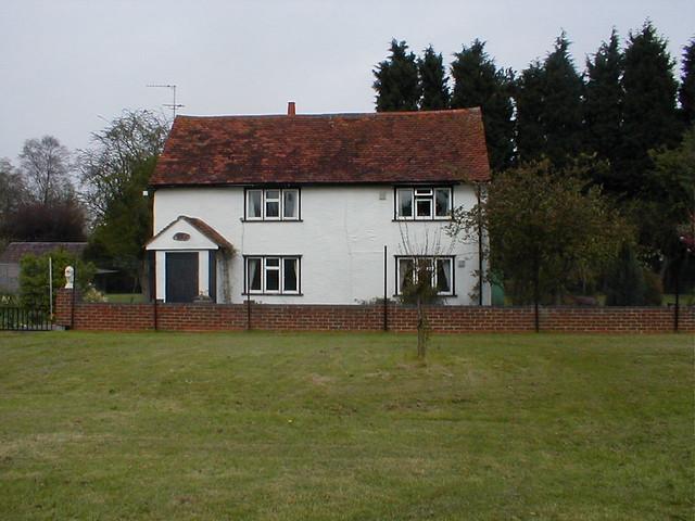 Nash_cottage_tye_green