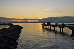 Sunset in Between (Mr.LeeCP) Tags: