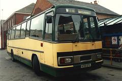 A139EPA_30011993a (Rossendalian2013) Tags: bus coach tiger greenline paramount leyland macclesfield cline plaxton britishbus londoncountrysouthwest londoncountrybusservicesltd drawlane trctl11 a139epa clinebuscompanyltd