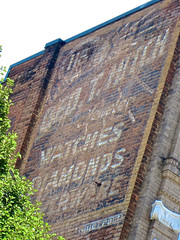 George T. Hitch Jeweler, Roanoke, VA (Robby Virus) Tags: brick sign wall virginia george ghost ad jewelry advertisement faded roanoke forgotten signage jewelery campbell hitch 118 jeweler