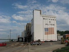 altonConAgraElevator_4 (TurningAngles) Tags: building mill architecture town downtown historic silo mississippiriver riverfront alton grainelevator