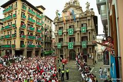Pampelune-6 (Destino Navarra) Tags: pamplona ayuntamiento navarra sanfermin encierro balcón