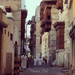 Sam photographer (سامر اللسل) Tags: me rose follow jeddah followme البحرين منصوري عمان تصويري جدة الباحه مصور الطائف فوتوغرافي الجنوب {vision}:{outdoor}=0803 {vision}:{text}=0688 {flickrandroidapp}:{filter}=none {vision}:{street}=0575