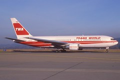 TWA Boeing 767-200; N609TW, January 1988 (Aero Icarus) Tags: slidescan avion aircraft plane flugzeug twa boeing767200 n609tw transworldairlines scanfroma35mmslideinmycollectionandnotmyownshot aeroicaruscollection