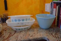 DSC_0014 (katoukatou) Tags: snowflake vintage thrift atomic goodwill powderblue pyrex midcentury fireking glasbake
