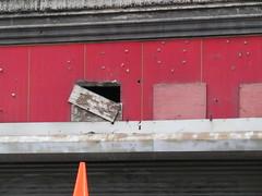 Fluchtweg? (MKP-0508) Tags: roof red newyork rot rouge cone toit dach pylone leipzigerhtchen