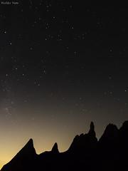 A Serra e as Estrelas (Waldyr Neto) Tags: stars estrelas montanhas teresópolis parnaso serradosórgãos soberbo vistasoberba waldyrneto