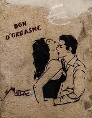 B1483-Proporciona un orgasmo (Eduardo Arias Rábanos) Tags: sex nikon couple grafitti chica message pareja orgasm young sexo chico pintada orgasmo joven mensaje d300 arlés eduardoarias partneer eduardoariasrábanos