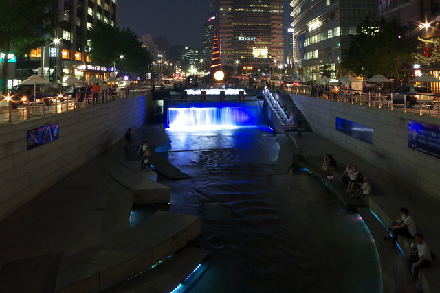 Cheonggyecheon night