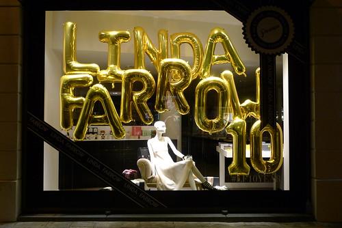 vitrines 10 ans Linda Farrow chez Colette - Paris, Août 2013