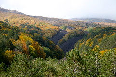 Walking on the Etnaland (Hlose Picot) Tags: autumn automne volcano autunno etna vulcano volcan etnaland
