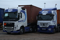 Maritime Container Transport (Ryan's Randoms) Tags: docks mercedes volvo container lorry maritime depot vans v8 containers highline scania streamline daf lorries topline marchwood m271 vision:car=0513 vision:outdoor=0969