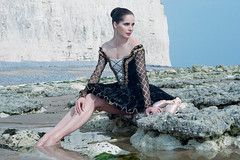 Darcey Bussell to sign copies of her new photo book on 17 December 2013