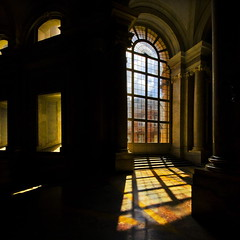 Between light and dark (Nespyxel) Tags: windows light dark design projection caserta proiezione stefanoscarselli