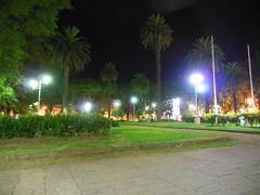 "Vista nocturna Plaza Constitución - San Pedro <a style=""margin-left:10px; font-size:0.8em;"" href=""http://www.flickr.com/photos/62525914@N02/12213196964/"" target=""_blank"">@flickr</a>"