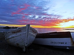 A orilla del Mediterrneo (Antonio Chac) Tags: sunset espaa night atardecer mar spain europe cloudy andalucia puestadesol mlaga marbella vision:sunset=0742 vision:sky=0832 vision:outdoor=0969 vision:car=0745