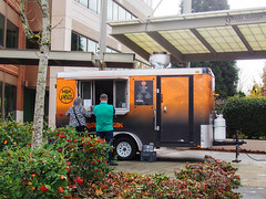 Papa Bois Food Truck (gapey) Tags: food truck lunch lumix olympus redmond caribbean 20mm att omd rtc foodtruck em5 papabois papaboisfoodtruck rtceats rtccampuseats