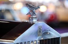 El Espíritu del éxtasis, la dama alada que corona los Rolls Royce
