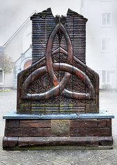 Celtic Rest. (Phil-Greaves.) Tags: county wood ireland sculpture museum oak clare carving rest celtic ennis