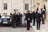 Photo of The Queen leaves the Quirinale to reach the Vatican
