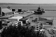 Paysage littoral_2039_2_DxO (Rmi Besserre) Tags: bw france brittany europe bretagne nb breizh brest finistre dockbay pennarbed portdecommerce industrialheaven
