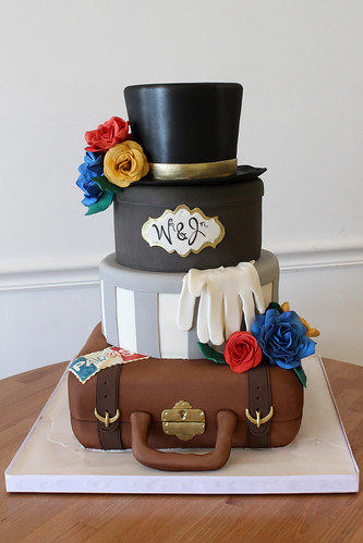 Suitcases and Hat Box Wedding Cake