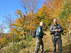 Me & Tom, Callander Crags (Niall Corbet) Tags: scotland perthshire callander crags autumn forest woodland