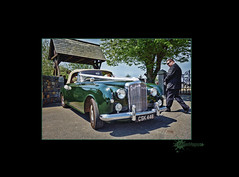 Bentley (GManVespa) Tags: wedding green car sony guernsey bentley rx100 valechurch sonyrx100 sonydscrx100
