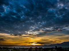 The Heavens Declare The Glory Of God (Daniel Raghu) Tags: sunset nature beauty clouds landscape pretty hills stunning naturephotography justimagen danielraghu