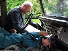 Get the electricity fixed of the 1984 Land Cruiser [Netherlands] (babakotoeu) Tags: toyota landcruiser rebuilding bushtaxi restauration bj40 bj45 hj45