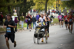 Team Amanda (HOARYHEAD) Tags: minnesota minneapolis runner twincitiesmarathon minneapolismn tcmarathon nikond700 nikon28300mm teamamanda 1062013 twincitiesmarathon2013