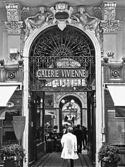 Paris - Galerie Vivenne (fb81) Tags: paris france shopping blackwhite gallery arcade historic artnouveau passage jugendstil galerievivienne