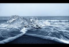 Playa de Jökulsárlón, Iceland. (manurubio83) Tags: longexposure ice beach bulb clouds landscape iceland islandia long exposure playa paisaje filter nd glaciar hielo nube filtro vatnajökull largaexposición trozos jökulsárlon nd8 filtrond8 mygearandme mygearandmepremium mygearandmebronze mygearandmesilver