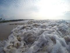 G0250754 (roddh) Tags: water photography hawaii surf bigisland hapuna roddh gopro hero3