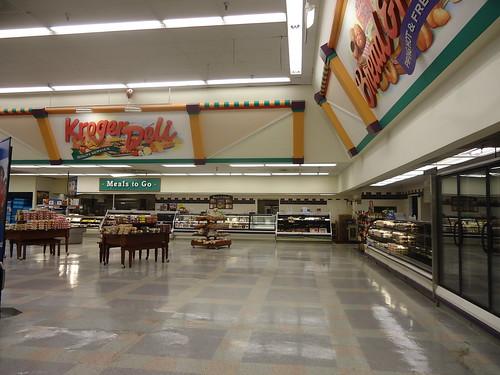 Mall Blvd Kroger Deli Bakery Section