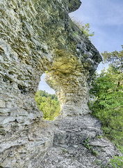 Window Cliffs, Putnam County, Tennessee 1 (Chuck Sutherland) Tags: arch tn tennessee limestone chert naturalarch putnamcounty windowcliffs fortpayneformation