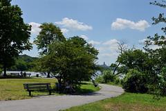 Reading in the Shade (Eddie C3) Tags: newyorkcity hudsonriver nycparks fortwashingtonpark