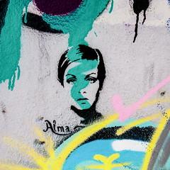 Twiggy (Bruce Poole) Tags: 2015 alfama brucepoole grafitti lisboa lisbon may may2015 places portugal portugueserepublic repúblicaportuguesa streetart twiggy