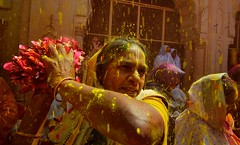Holi - Widows of Vrindavan (Ashit Desai) Tags: vrindavan mathura barsana nandgoan nandgao baldeo india uttar pradesh ashit desai 2017 banke bihari temple dauji mandir gopinath ashram women widows people holi colour color festival coloured play playing celebration religious ritual