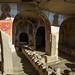 Igrejas dentro de cavernas
